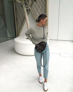 Christine Kia Source by lisafirle ideas outfit winter fashion Mode Outfits, Trendy Outfits, Fashion Outfits, Fashion Trends, Uni Outfits, Fashion Ideas, Fall Winter Outfits, Autumn Winter Fashion, Spring Outfits