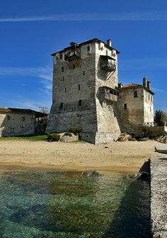 The tower of Ouranoupolis, Mount Athos, Halkidiki, Macedonia, Greece Beautiful World, Beautiful Places, Beautiful Pictures, Greek Castle, Myconos, Thessaloniki, Greece Travel, Amazing Destinations, Scenery