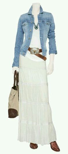 White body sliming cami, denim chambray longer shirt, white peasant shirt (shorter maybe) cowboy buckle belt and boots. Nice for a spring or summer eve. Fashion Mode, Modest Fashion, Look Fashion, Womens Fashion, Mode Outfits, Fall Outfits, Casual Outfits, Fashion Outfits, Cowgirl Outfit