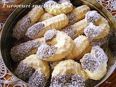 Fursecuri spritate Romanian Desserts, Romanian Food, Spritz Cookies, Cake Cookies, Cookie Recipes, Dessert Recipes, Butter Cookies Recipe, Sweet Pastries, Pastry Cake
