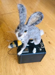 Hare/Needle felted Hare/Hare ornament/Rabbit ornament/Felted | Etsy Needle Felted Animals, Felt Animals, Needle Felting, Make Time, How To Make, Box Camera, Jack Rabbit, Felting Tutorials, Cellophane Bags