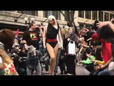 """Seattle """"Glee"""" inspired Flash Mob...so fun!"""