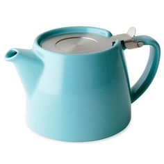 The Stump teapot comes complete with an extra-fine 0.3 mm stainless-steel tea infuser and permanently attached hinged lid for easy use. The extra-fine infuser enables you to steep fine loose-leaf teas