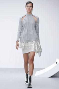 J.W.Anderson Spring 2013 Ready-to-Wear Fashion Show - Pauline Hoarau
