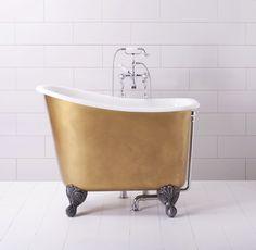 Portable deep bathtub, perfect for tiny houses