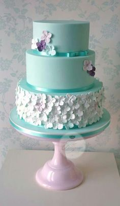 Tiffany blue cake with blossoms