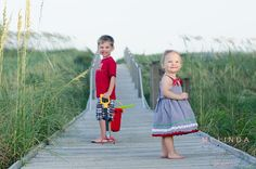Children. Beach. Happy as a clam! from http://melindasnyderphotography.blogspot.com