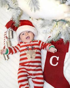 Celebration, making memories, and family time. We did a mini photo sesh last night with Cash! months old and ready for his first Christmas! He's such a sweet little boy! Newborn Christmas Pictures, Family Christmas Pictures, Holiday Pictures, Christmas Pics, Xmas, 3 Month Old Baby Pictures, Baby Boy Pictures, Baby Photos, Baby Monat Für Monat