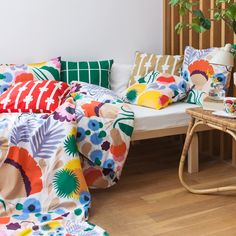 Marimekko Ojakellukka Bedding You'll be more apt to make your bed every day in order to showcase this cheerful design. Aino Maija Metsola's Ojakellukka pattern is a modern take on the Water Avens flowering plant. Design Shop, Marimekko Bedding, Metal Storage Cabinets, The Glow Up, Shops, At Home Store, Home Textile, Duvet Cover Sets, Decoration