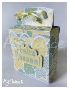 Caixinha com lacinho para rechear de mini-ovinhos de páscoa, bombons, chocolates ou o que desejar. <br>Ótima lembrancinha para essa páscoa! <br> <br>*Enviamos o laço a parte para fechar a caixinha depois de rechear. <br> <br>Tamanho: 4 x 7,5 x 11,5 cm.. <br> <br>Personalizamos com outros temas e cores. <br>Dúvidas, entre em contato conosco.