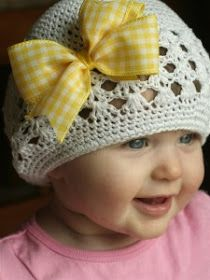 """""""Isabelle Thornton"""" Le Chateau des Fleurs: Fabric hair accessory DIY for baby"""