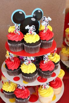 A Mickey Baby Shower // Inspired By DisYou can find Mickey mouse cupcakes and more on our website.A Mickey Baby Shower // Inspired By Dis Mickey Mouse Birthday Decorations, Mickey 1st Birthdays, Mickey Mouse First Birthday, Theme Mickey, Mickey Mouse Clubhouse Birthday Party, Mickey Mouse Parties, Disney Parties, Bolo Do Mickey Mouse, Fiesta Mickey Mouse