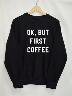 Unisex sweater white and black with text / quote: What would wonder woman do? ROjFa