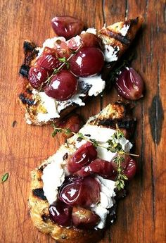 Roasted Grapes with Goat Cheese