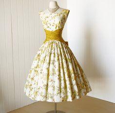 vintage 1950's dress ...fabulous GOLDEN FLORAL garden by traven7 -- I like the waist.