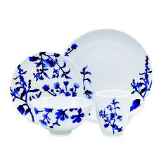 Love the delicate deep blue pattern on the white dishes. #Oneida Tranquility Blue 16-Piece Dinnerware Set. #dishes