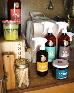 Cool website with DIY cleaning supply stuff!