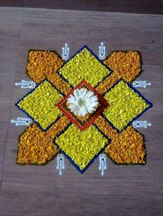 Flower Rangoli For Diwali Flower Rangoli Images, Simple Flower Rangoli, Rangoli Designs Flower, Small Rangoli Design, Rangoli Patterns, Colorful Rangoli Designs, Rangoli Ideas, Beautiful Rangoli Designs, Flower Designs