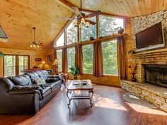 Gorgeous dog-friendly cabin w/mountain views,... - VRBO