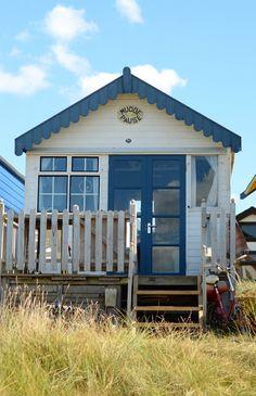 Beach hut at Mudeford via A Beach Cottage Beach Cottage Style, Beach Cottage Decor, Coastal Cottage, Coastal Homes, Coastal Living, Coastal Decor, Cottages By The Sea, Cabins And Cottages, Beach Cottages
