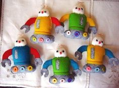 DIY Embroidery Felties | Felt Robots by IamSusie, via Flickr