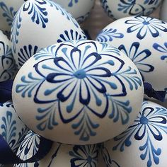"Czech traditional Easter Eggs ""Kraslice"" (Moravia, Europe)-white with blue wax Easter Gift, Easter Crafts, Holiday Crafts, Happy Easter Wishes, Ukrainian Easter Eggs, Easter Traditions, Easter Celebration, Egg Art, Easter Eggs"