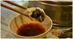 Eten in China is ontzettend belangrijk én enorm lekker. Deze 10 gerechten & hapjes moet je zeker eten tijdens je reis door China. Van koeken tot alcohol
