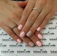 112 catchy matte nail art design ideas page 26 Classy Acrylic Nails, Summer Acrylic Nails, Summer Nails, Spring Nails, Pale Pink Nails, Beige Nail, Nail Art Designs, Cruise Nails, Manicure Y Pedicure