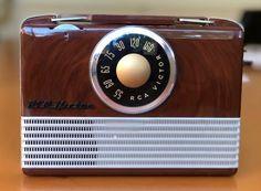 Radios, Radio Design, Radio Antigua, Television Tv, Antique Radio, Transistor Radio, Marshall Speaker, Chemist, Cool Tones