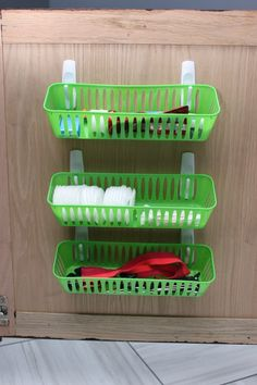 Use command hooks and Dollar Tree bins for vanity organization. More great ideas in the post! 5 Simple Storage and Organization Ideas that are Life-Changing