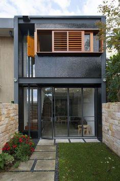 Ideas Exterior Brick Ideas Black Shutters For 2019 Design Exterior, Facade Design, Modern Exterior, Residential Architecture, Interior Architecture, Minimalist Architecture, Narrow House, Terraced House, Steel House