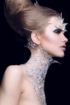 She ruled from her crystalline palace, velvet glove over iron fist. (Sheri Vegas, makeup artist) queen (make with glue and glitter) Body Chains, Glamour, Velvet Glove, Ice Princess, Princess Hair, Neck Piece, Halloween Kostüm, Snow Queen, Fantasy Makeup