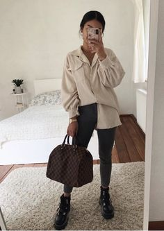 October 23 2019 at fashion-inspo Casual Winter Outfits, Winter Fashion Outfits, Classy Outfits, Look Fashion, Stylish Outfits, Spring Outfits, Womens Fashion, Fashion Clothes, Mode Lookbook