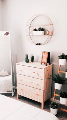 41 bohemian minimalist with urban outfiters bedroom ideas 12 < Home Design Idea. Rooms Home Decor, Diy Home Decor, Urban Outfiters Bedroom, Bohemian Bedroom Decor, Boho Decor, Aesthetic Room Decor, Home Design, Design Ideas, Minimalist Bedroom