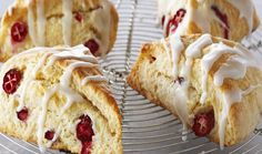 Classic Lemon Cranberry Scones with Lemon Glaze : Bake with Anna Olson : The Home Channel Anna Olson, Homemade Scones, Homemade Apple Pies, Köstliche Desserts, Delicious Desserts, Dessert Recipes, Lemon Recipes, Baking Recipes, Lemon Cranberry Muffins