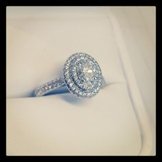 Cutest ring I've seen in a long time, lovely setting #workinghard #jewellery #diamonds #engagementring