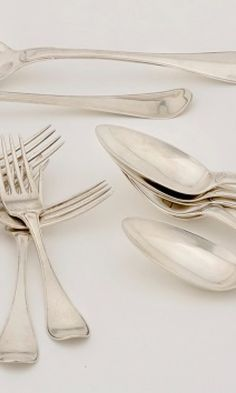 Hopean puhdistus – asiantuntijan vinkit | Meillä kotona Tableware, Dinnerware, Tablewares, Dishes, Place Settings