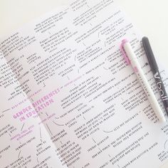 alimastudies 18 11 17 mindmaps will always be my fav studygram alimastudies Pretty Notes, Good Notes, Beautiful Notes, School Organization Notes, Study Organization, College Notes, School Notes, Revision Notes, Bullet Journal