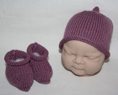 Supersoft Merino Cashmere baby beanie hat and booties in Plum - £22.99