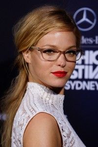 Erin heatherton Victoria's Secrets model with her GEEK CHIC glasses Erin Heatherton, Victoria Secret, Victorias Secret Models, Sommer Make Up, Taylor Swift Hair, Girls With Glasses, Womens Glasses, Real Beauty, Hair Beauty