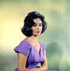 Elizabeth Taylor  http://photochronograph.ru