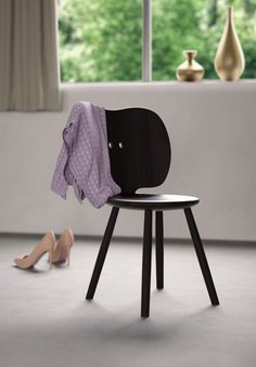 Stabellö is an hommage to the traditional Swiss Stabellen chairs which have been manufactured in Switzerland for centuries. Japan Design, Switzerland, Designer, Modern, Dining Chairs, Japanese, Mood, Traditional, Furniture
