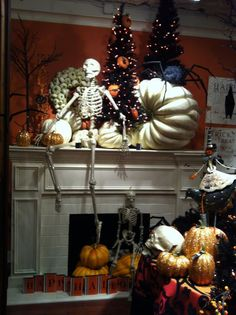 Halloween is one of my favorite times to decorate my fireplace mantel. A beautiful mantle can set the mood of the whole room and put your guests into the Halloween spirit. Halloween Fireplace, Halloween Trees, Spooky Halloween, Holidays Halloween, Halloween Crafts, Happy Halloween, Halloween Decorations, Fireplace Decorations, Fireplace Mantels