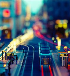 Minimalist Rush Hour - A Beautiful Miniaturized World Captured By Tilt Shift Photography Tilt Shift Photography, Motion Photography, Street Photography, Art Photography, Berlin Photography, Dreamy Photography, Creative Photography, Landscape Photography, Tilt Shift Photos