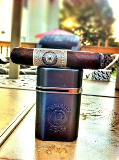 Perdomo Habano Maduro Cigar & Perdomo Lighter