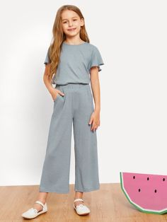 To find out about the Girls Trumpet Sleeve Top & Wide Leg Pants Set at SHEIN, part of our latest Girls Two-piece Outfits ready to shop online today! Girls Casual Dresses, Kids Outfits Girls, Cute Girl Outfits, Girls Fashion Clothes, Tween Fashion, Cute Outfits For Kids, Teen Fashion Outfits, Little Girl Dresses, Cute Casual Outfits