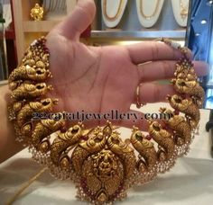 Jewellery Designs: Fusion Work Lakshmi Necklace