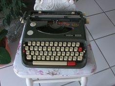 Vintage Schreibmaschinen - Brother ***Schreibmschine*** - ein Designerstück von Manus-kleine-Vintage-Schatzkiste bei DaWanda