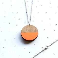 Wire Jewelry, Jewelry Box, Unique Jewelry, Jewelry Ideas, Jewellery, Locket Necklace, Beaded Necklace, Diffuser Jewelry, Neon
