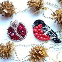 Автор @art.keks 〰〰〰〰〰〰〰〰〰〰〰〰〰〰 По всем вопросам обращайтесь к авторам изделий!!! #ручнаяработа #брошьизбисера #брошьручнойработы #вышивкабисером #мастер #бисер #handmade_prostor #handmadejewelry #brooch #beads #crystal #embroidery #swarovskicrystals #swarovski #купитьброшь #украшенияручнойработы #handmade #handemroidery #брошь #кольеручнойработы #кольеизбисера #браслеты #браслетручнойработы #сутажныеукрашения #сутаж #шибори #полимернаяглина #украшенияизполимернойглины